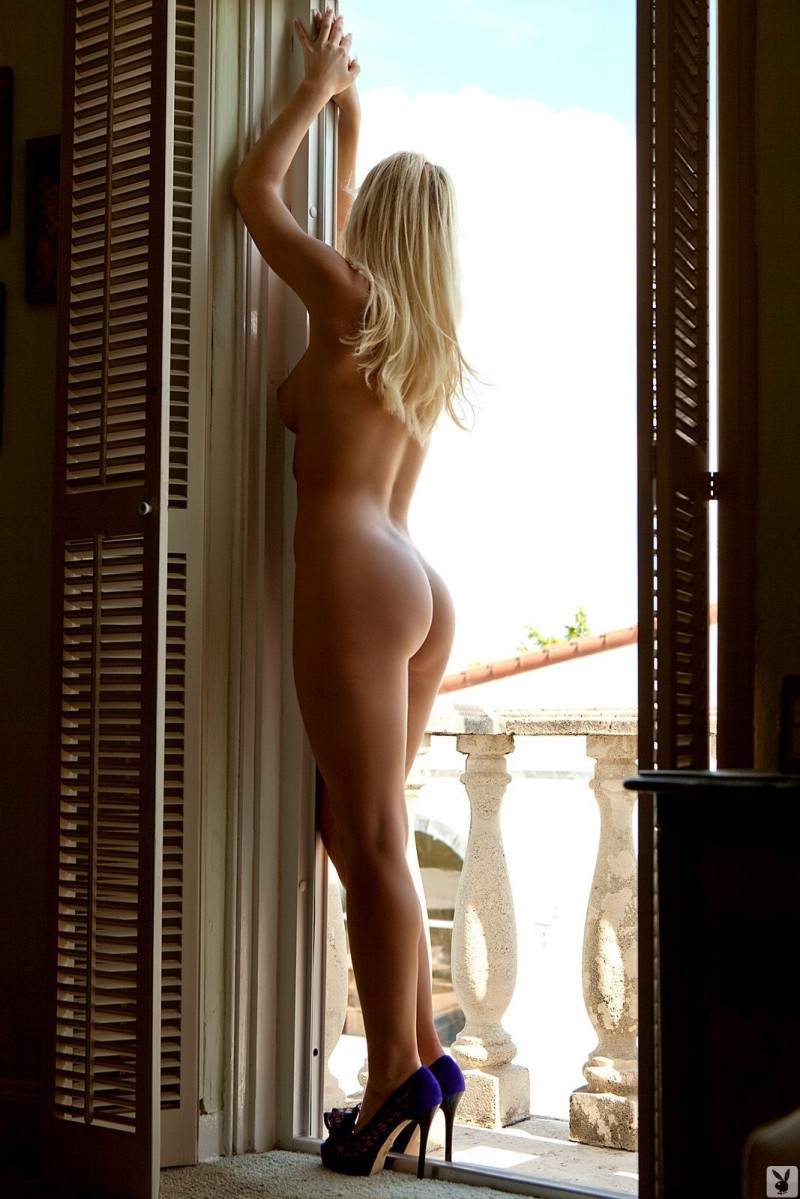 niki-lee-amateur-playboy-07