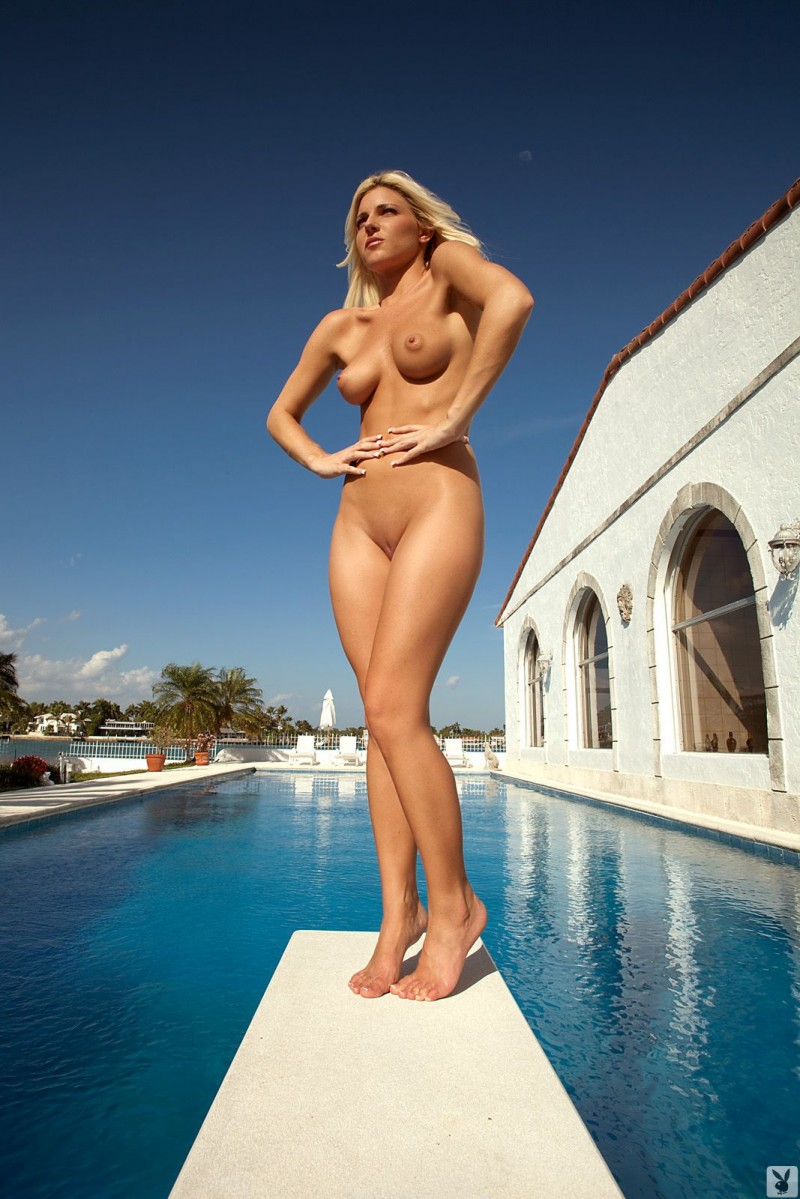 niki-lee-amateur-playboy-19