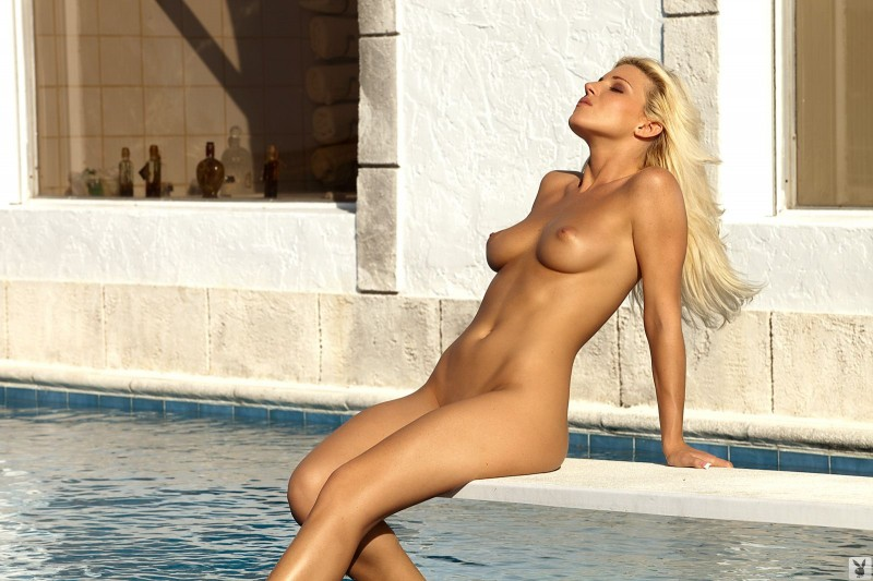 niki-lee-amateur-playboy-30