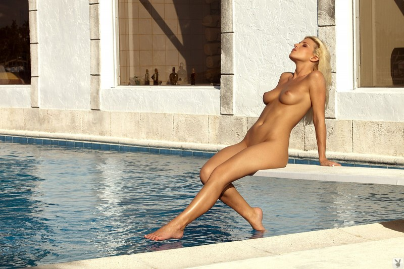 niki-lee-amateur-playboy-31