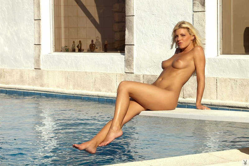 niki-lee-amateur-playboy-33