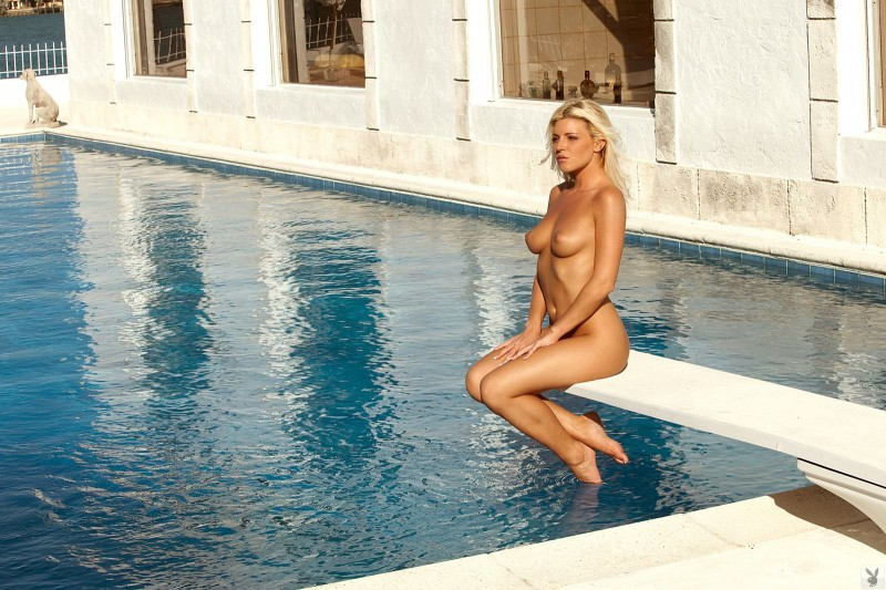 niki-lee-amateur-playboy-38