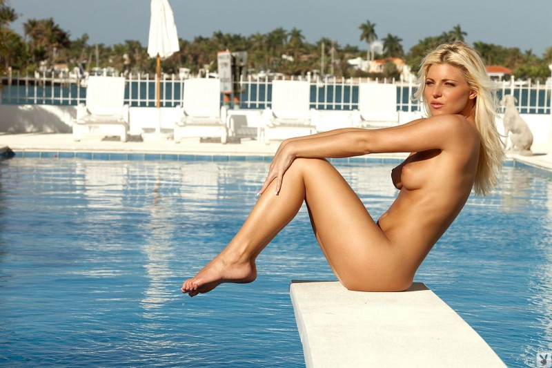 niki-lee-amateur-playboy-41