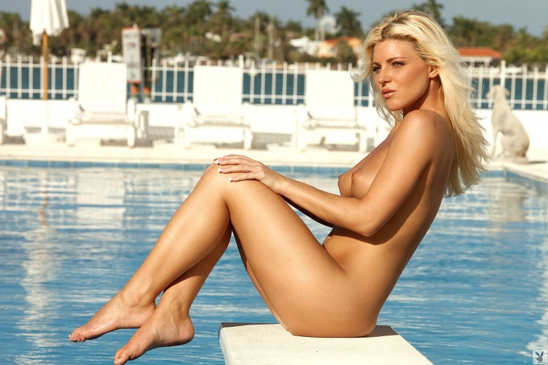 niki-lee-amateur-playboy-42