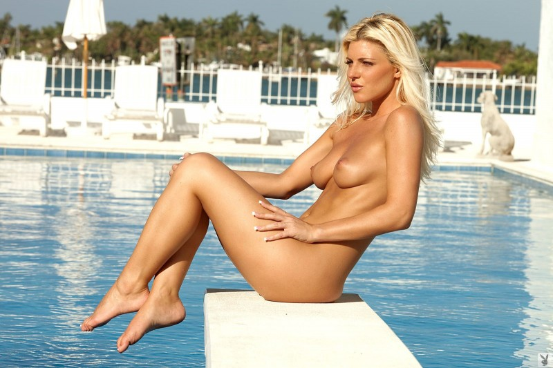 niki-lee-amateur-playboy-43