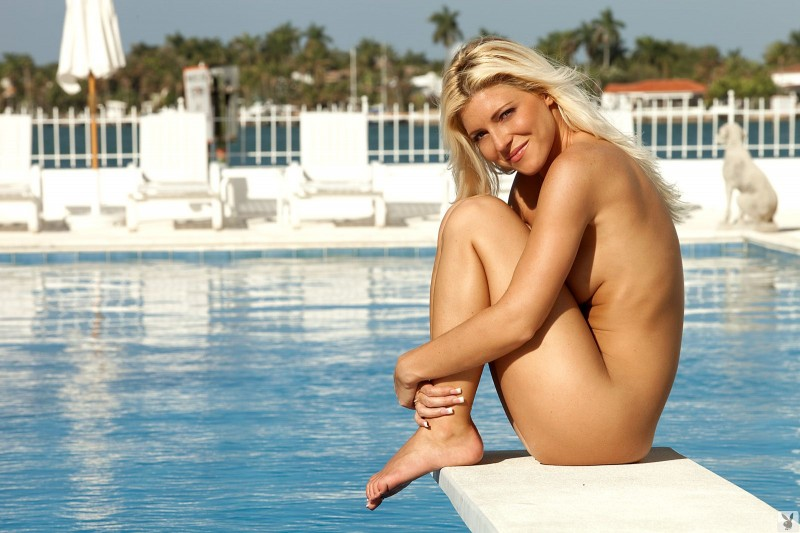 niki-lee-amateur-playboy-44