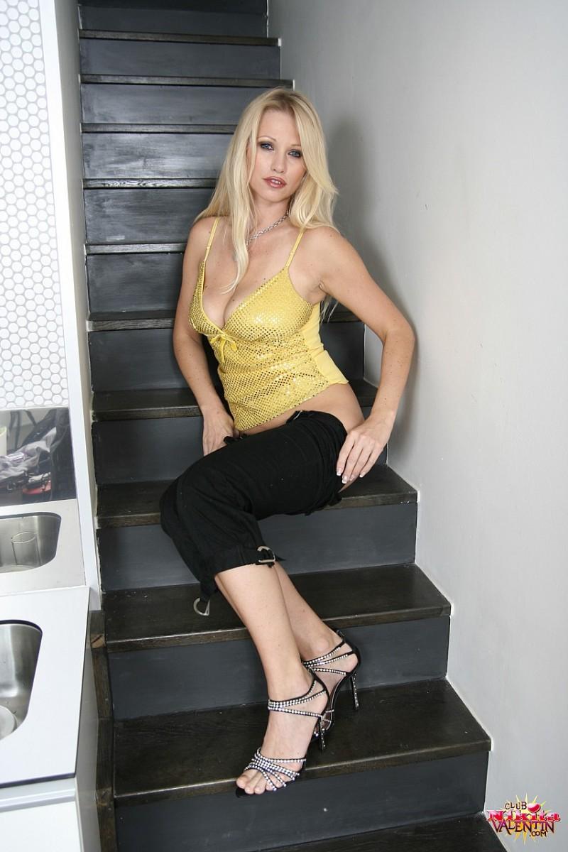 nikita-valentin-nude-stairs-11