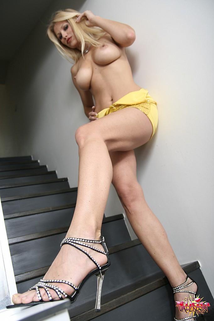 nikita-valentin-nude-stairs-22