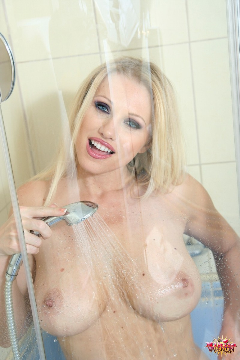 nikita-valentin-milf-shower-21
