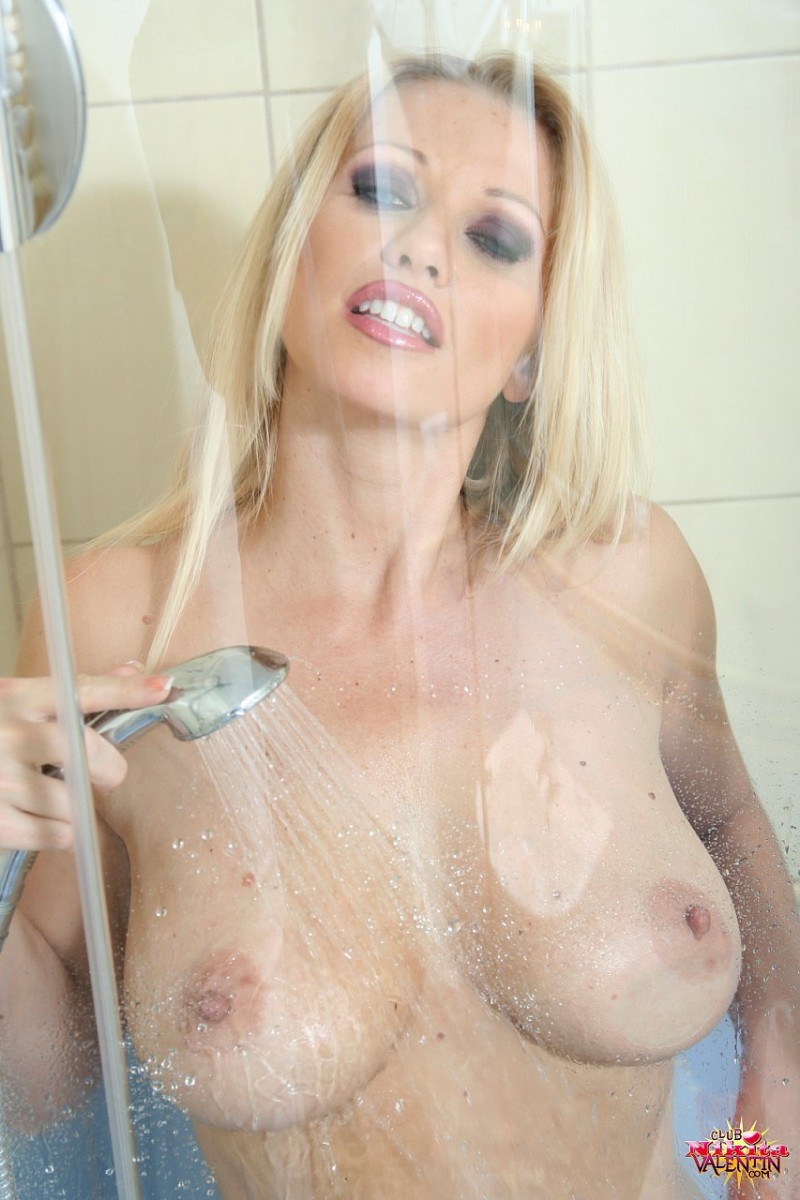 nikita-valentin-milf-shower-22
