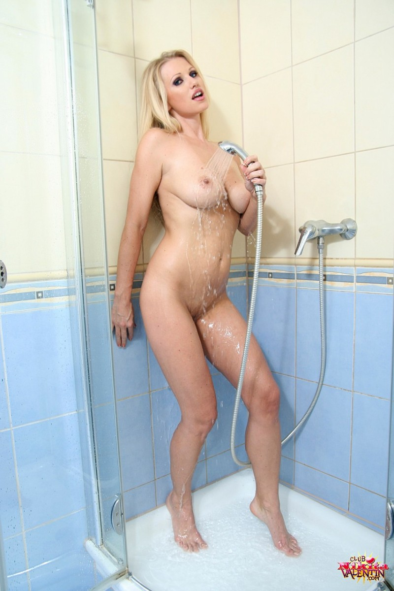 nikita-valentin-milf-shower-26