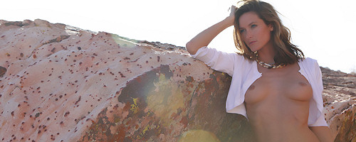 Nikkala Stott on the rocks
