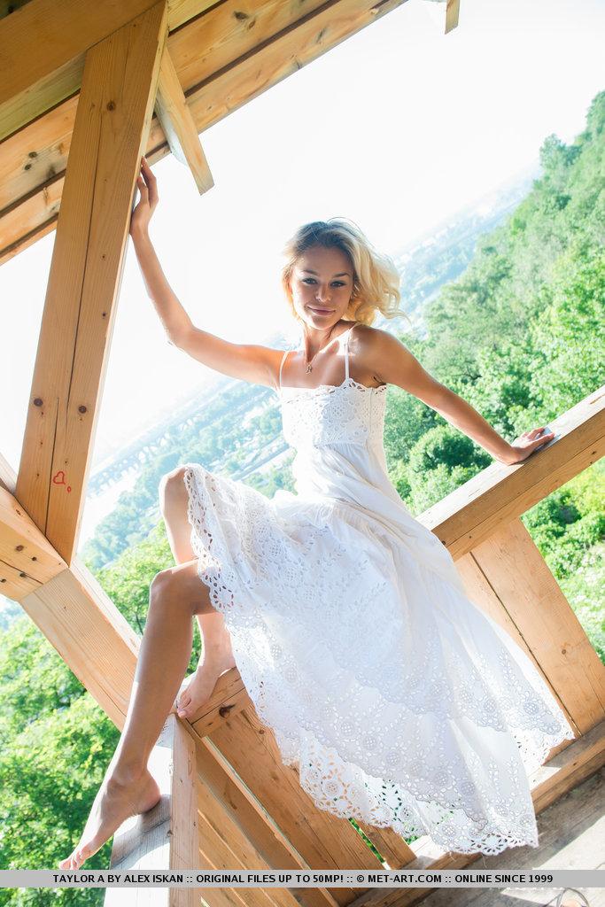 taylor-a-white-dress-met-art-02