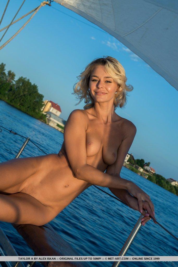 sailing nude photos