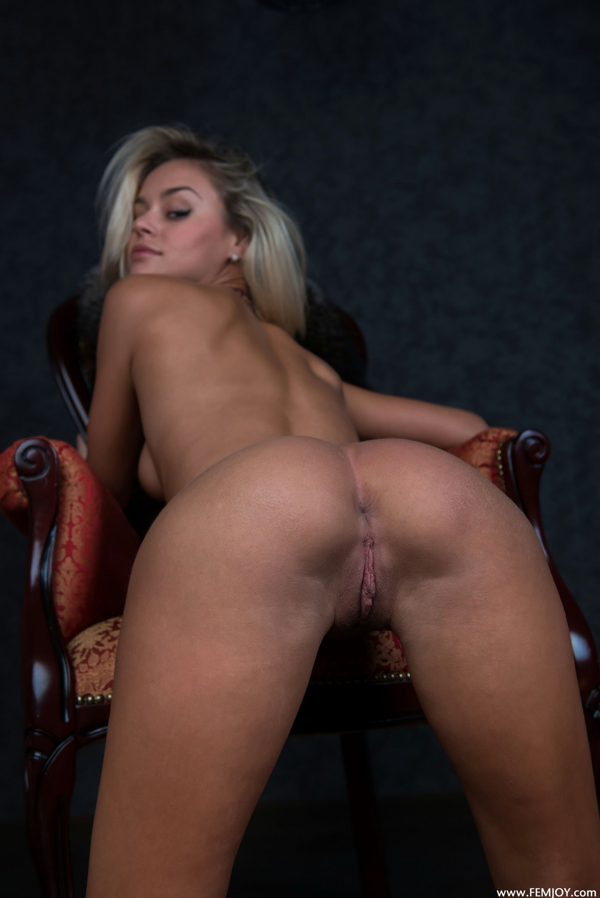 nonna-armchair-femjoy-11