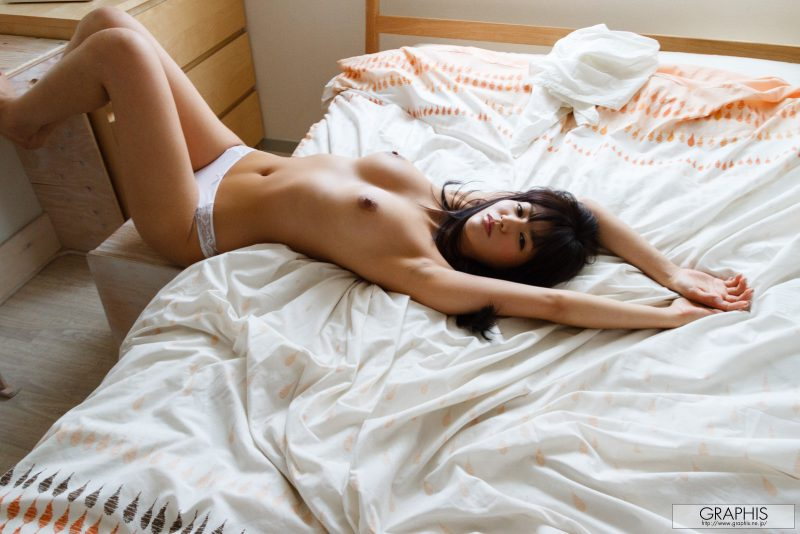 nozomi-aso-wake-up-nude-graphis-15