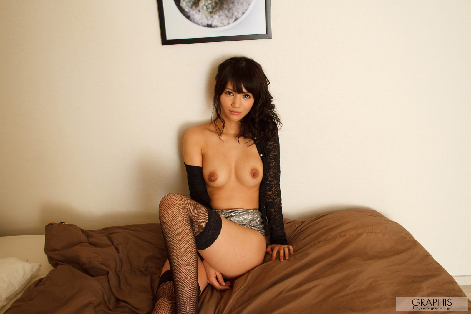 nozomi-aso-fishnet-stockings-nude-graphis-03