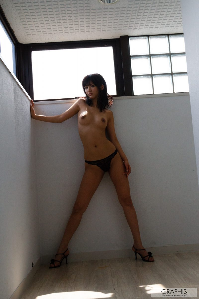 nozomi-aso-naked-red-nighty-graphis-11