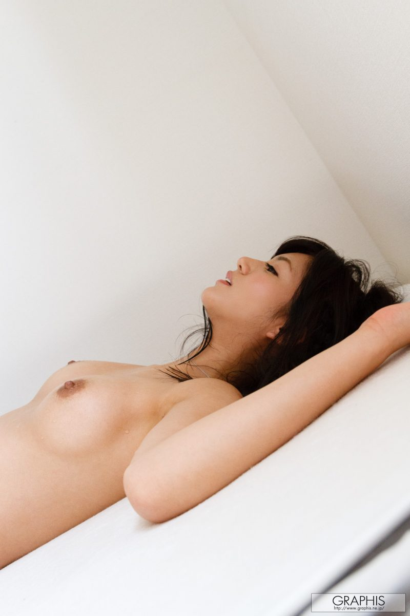 nozomi-aso-naked-red-nighty-graphis-14