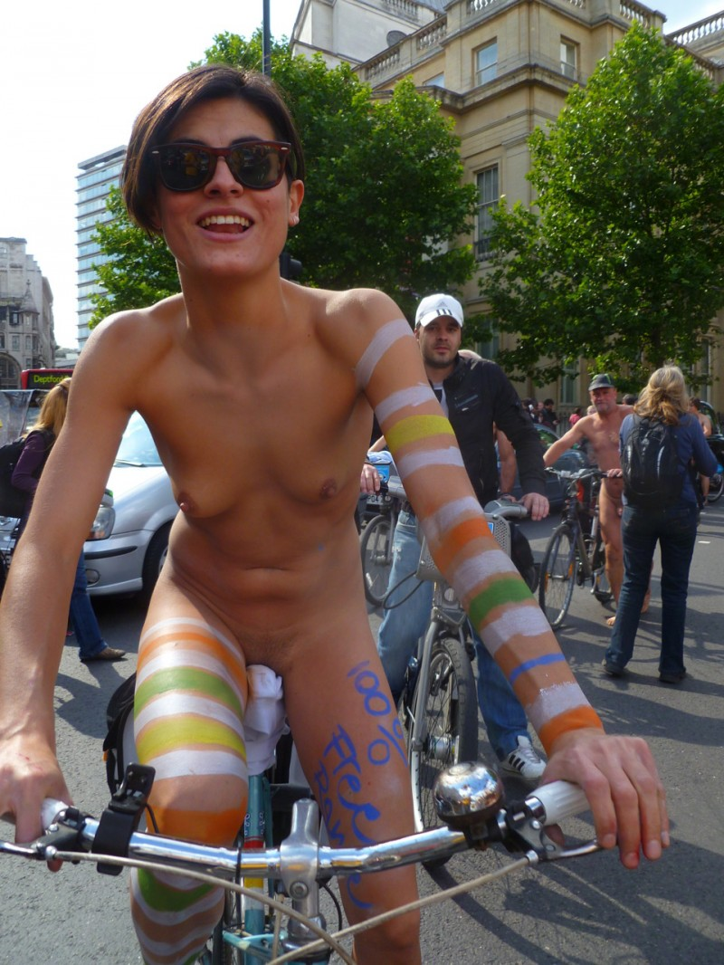 naked girls on bikes images