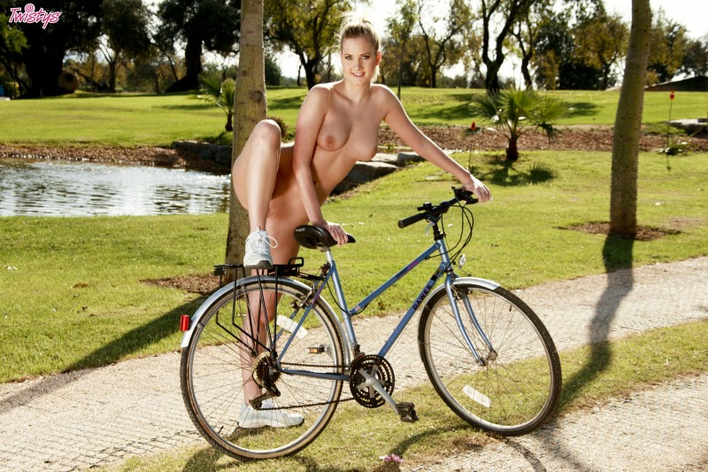 girls-nude-on-bikes-52