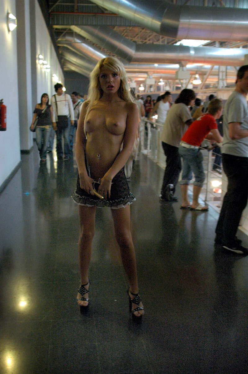 nude-in-public-vol4-37