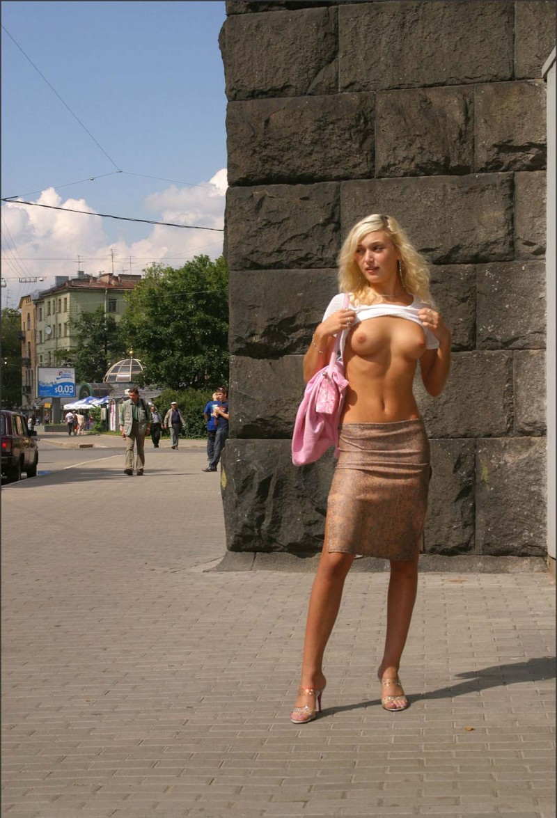 nude-in-public-vol4-44
