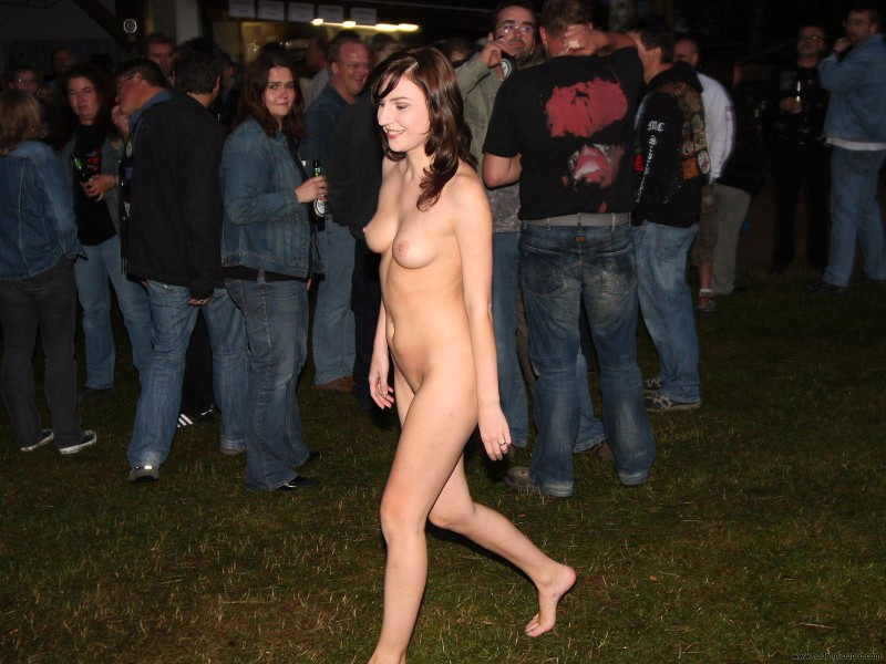 nude-in-public-vol4-55