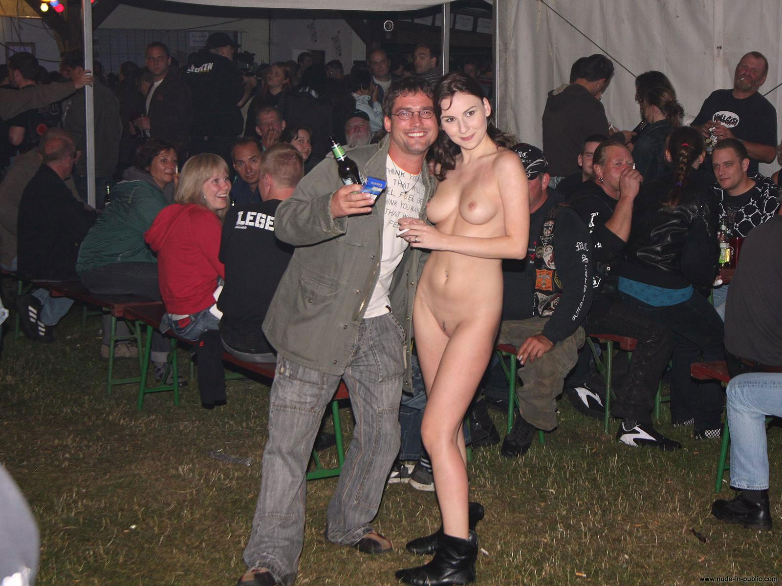 publika-golie-foto