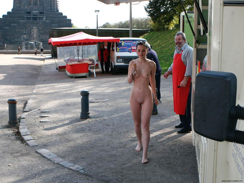 nude-in-public-vol4-65