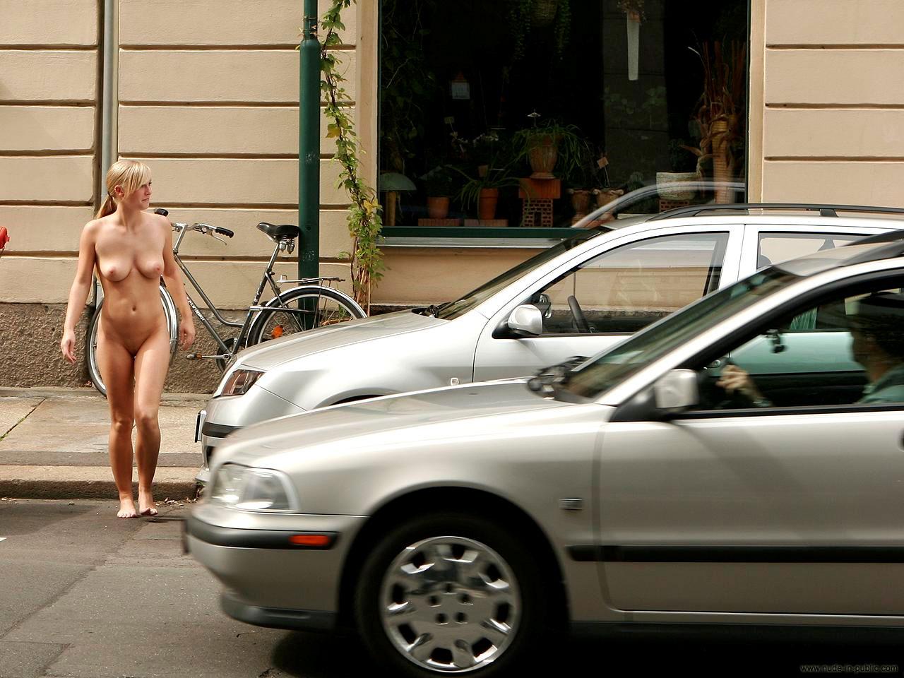 nude-in-public-vol4-66