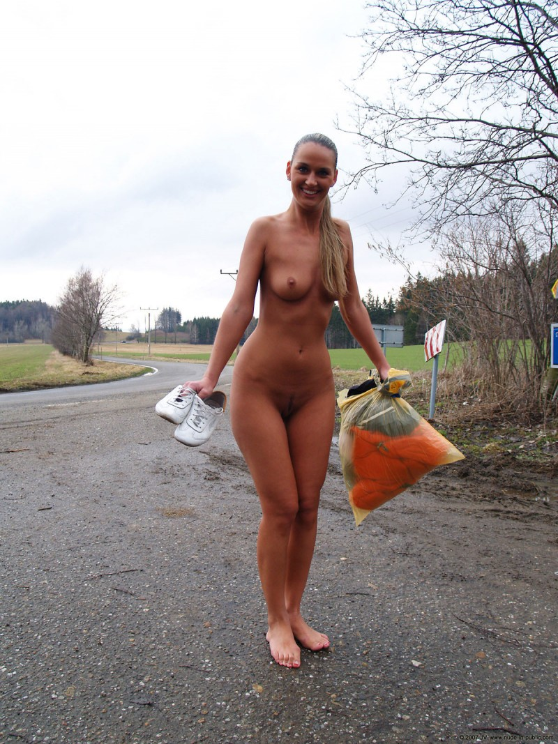 nude-in-public-vol4-82