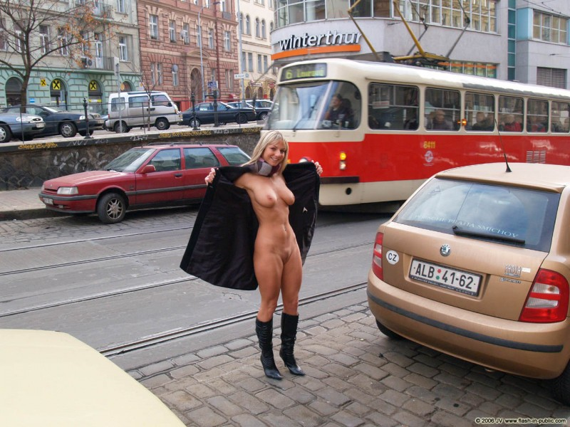 nude-in-public-vol4-85