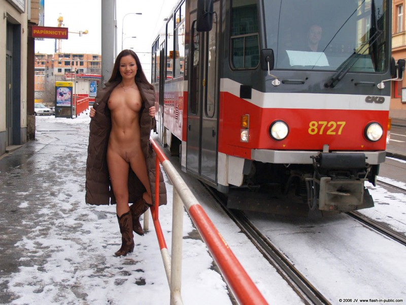 nude-in-public-vol4-90
