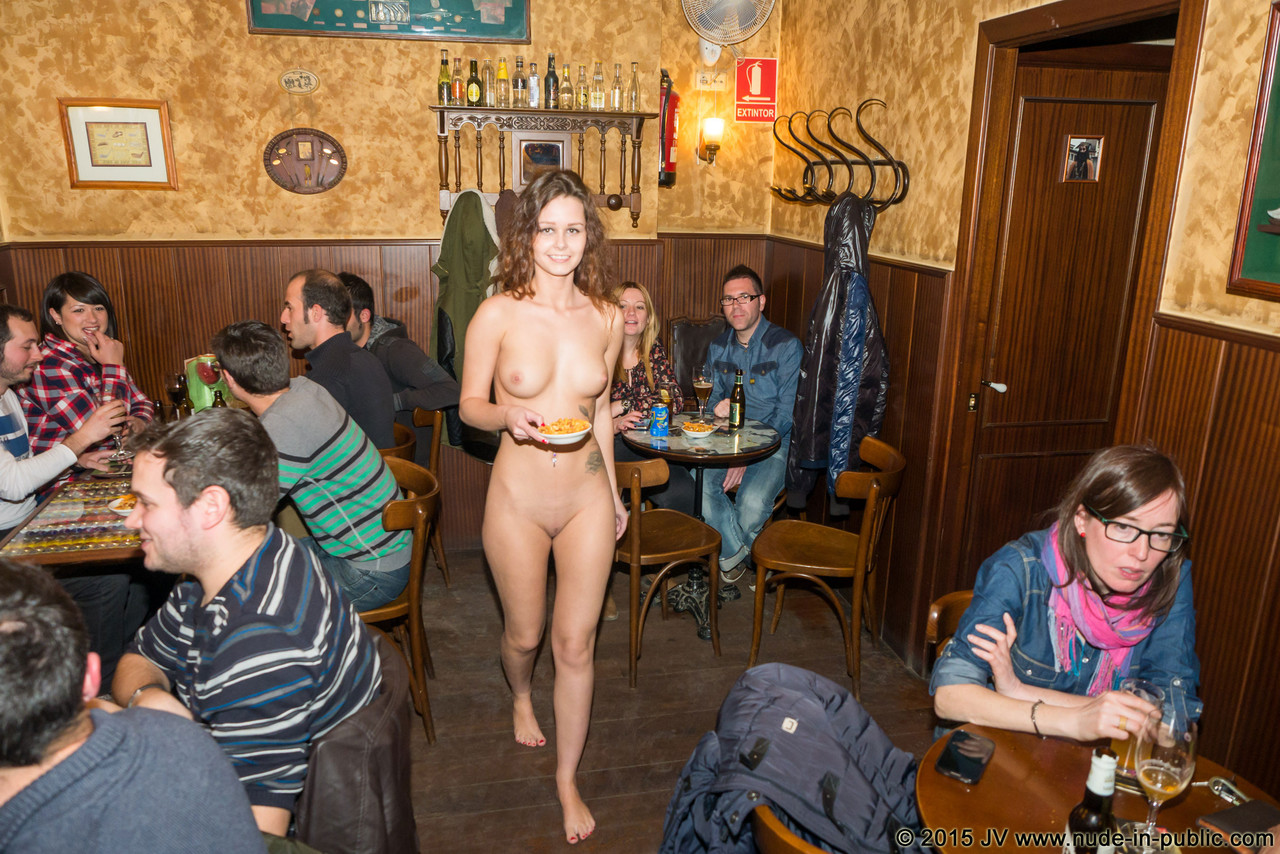 naked-girls-in-public-mix-vol5-15