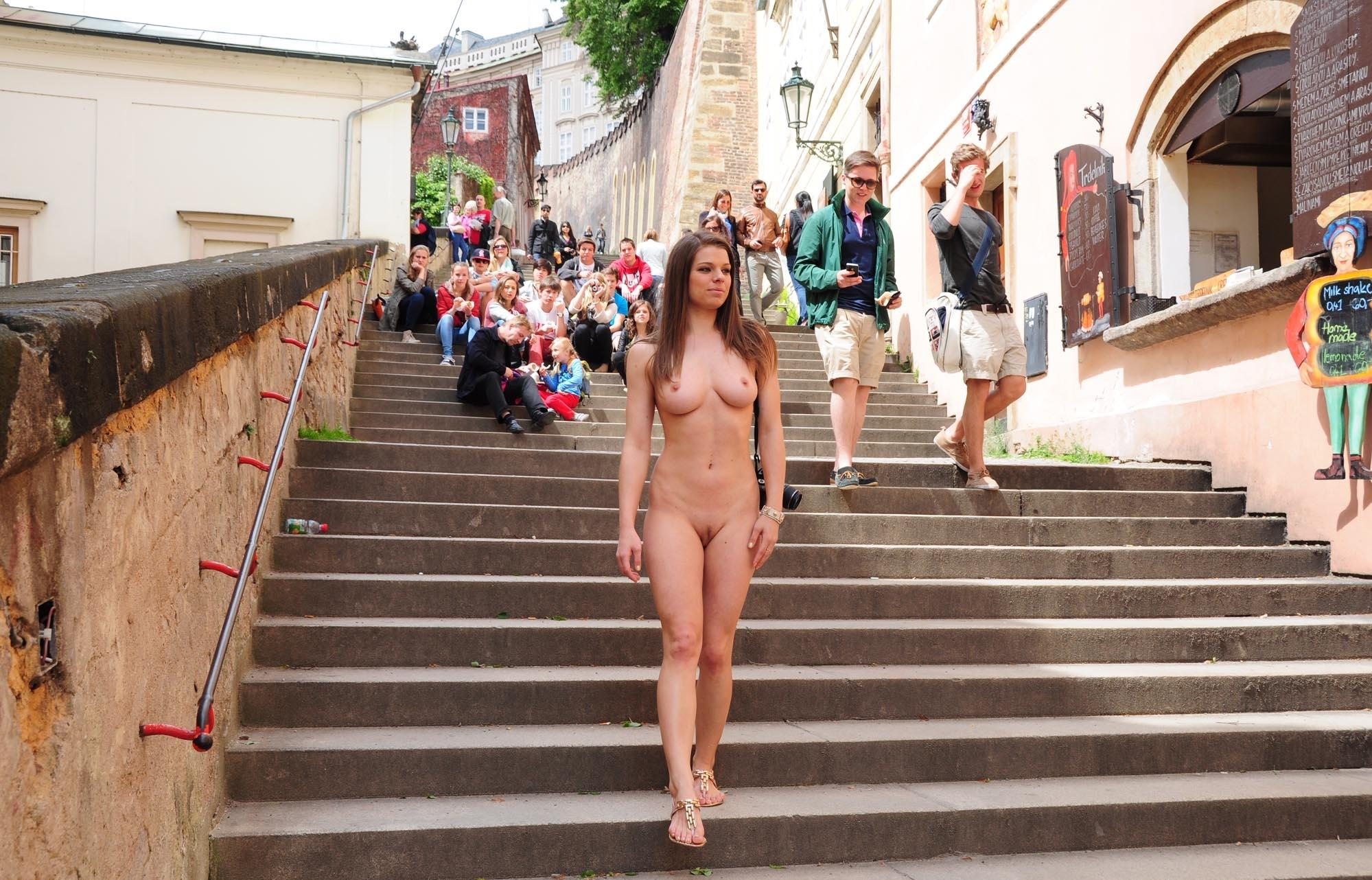 naked-girls-in-public-mix-vol5-17