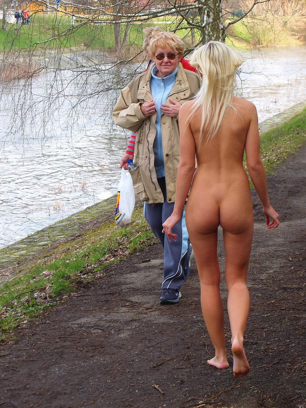 naked-girls-in-public-mix-vol5-72