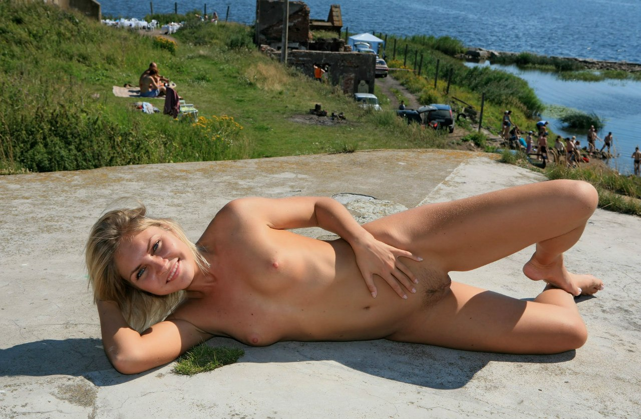 naked-girls-in-public-mix-vol5-78
