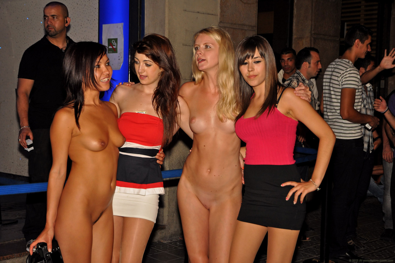 naked-girls-in-public-mix-vol5-94