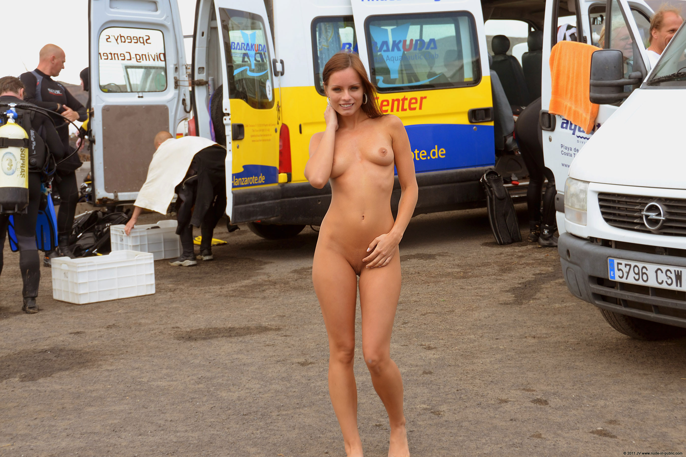 naked-girls-in-public-mix-vol5-96