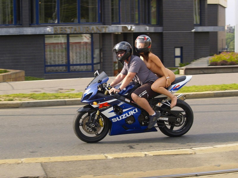 alane-e-motorbike-nude-in-public-12