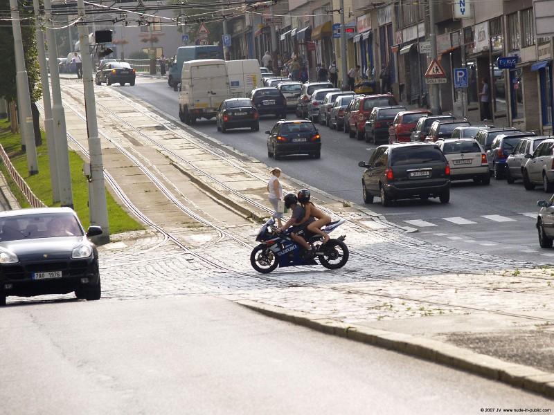 alane-e-motorbike-nude-in-public-14