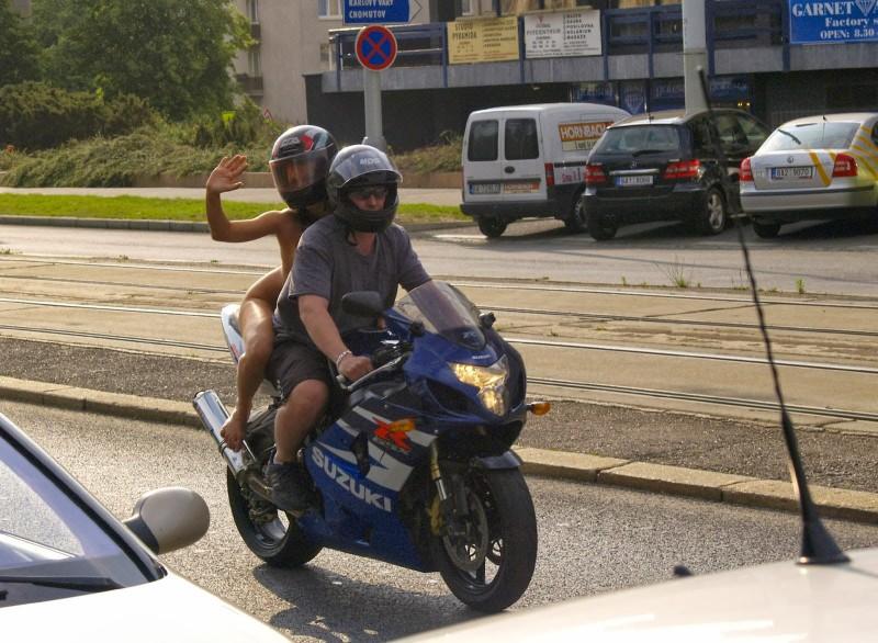 alane-e-motorbike-nude-in-public-16