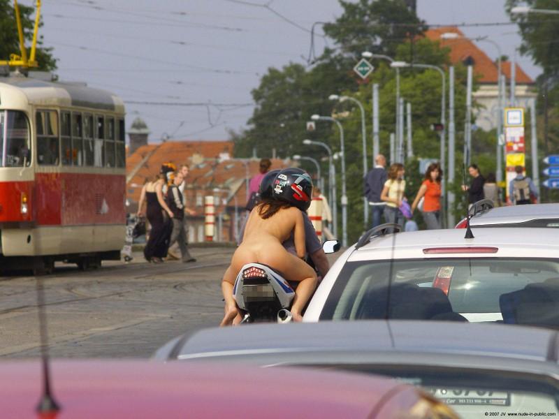 alane-e-motorbike-nude-in-public-21