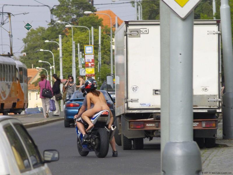 alane-e-motorbike-nude-in-public-24
