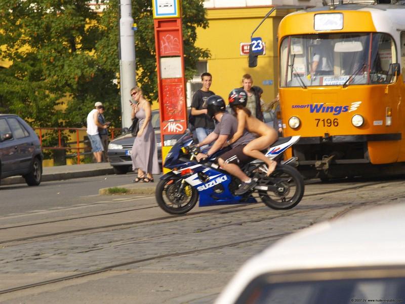 alane-e-motorbike-nude-in-public-27