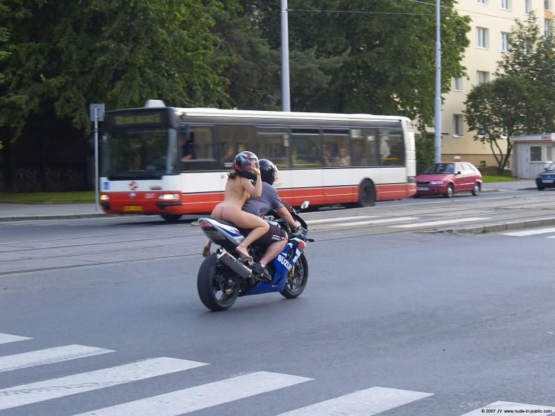 alane-e-motorbike-nude-in-public-55