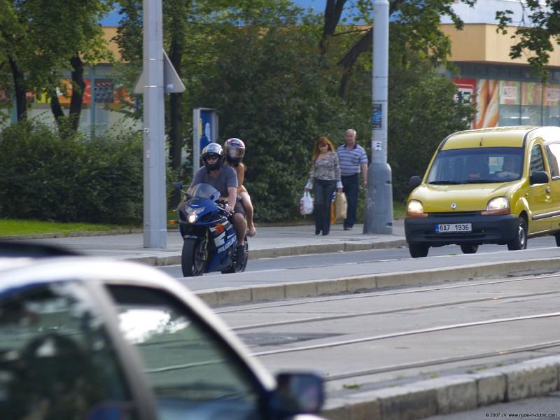 alane-e-motorbike-nude-in-public-59