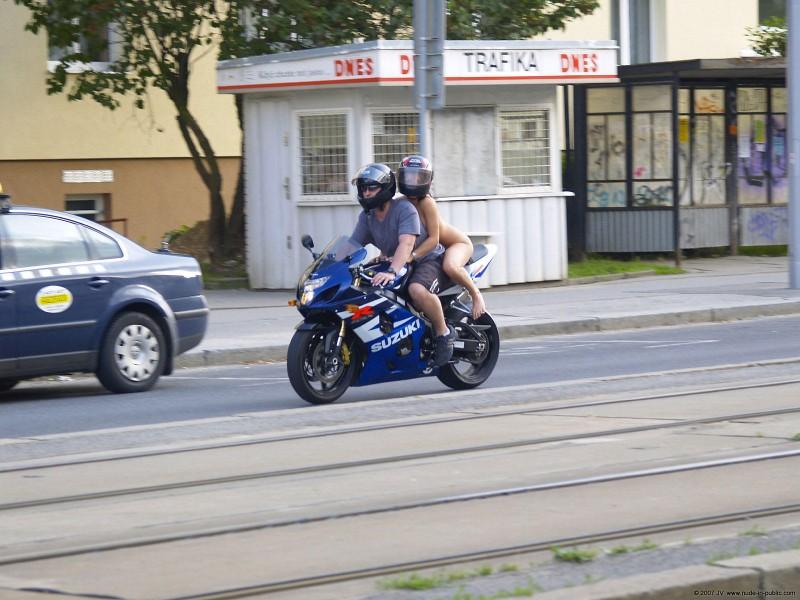 alane-e-motorbike-nude-in-public-60