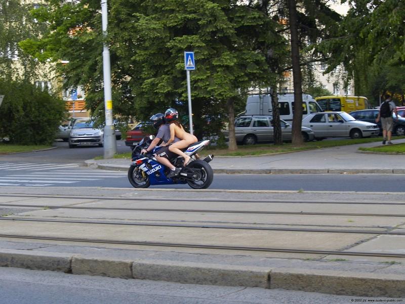 alane-e-motorbike-nude-in-public-62